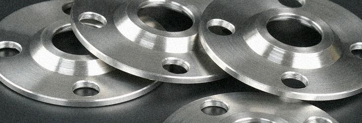 Kinnari Steel Corporation are manufacturers, stockiest & suppliers of Carbon steel Flanges. Carbon steel Flanges have special quality finishing and duress for long life, high pressure and zero defects.