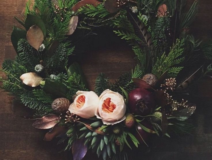 Потрясающие зимние венки http://artlabirint.ru/potryasayushhie-zimnie-venki/  Потрясающие зимние венки от студии Flowerslovers {{AutoHashTags}}