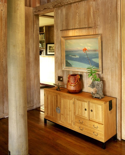 tropical entry by Philpotts Interiors