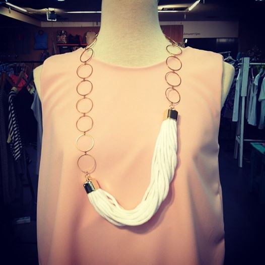 White & gold necklace....
