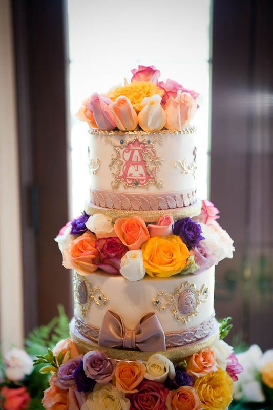 Buttercream and Gold — Round Wedding Cakes