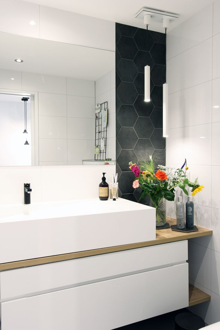 25 beste idee n over badkamer bloemen op pinterest rustieke metselaarkruiken kleine badkamer - Kleine badkamer deco ...