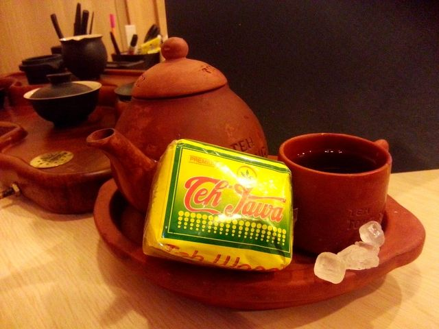 jasmine tea from Pekalongan, via @budi kurniawan