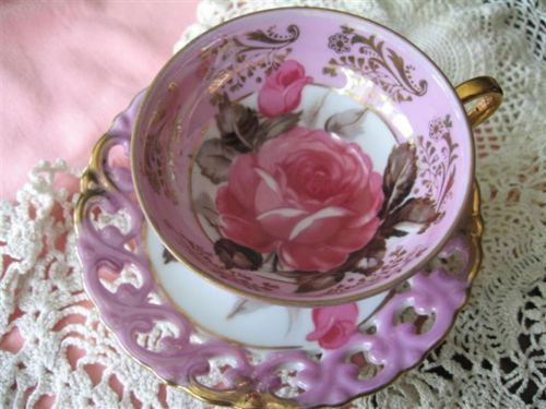 Teacup and saucer.: Teacup Stories, Pink Roses, Teas Time, Teas Cups, Afternoon Teas, Pretty China, Fleas Marketing Finding, Teas Party, Tea Cups