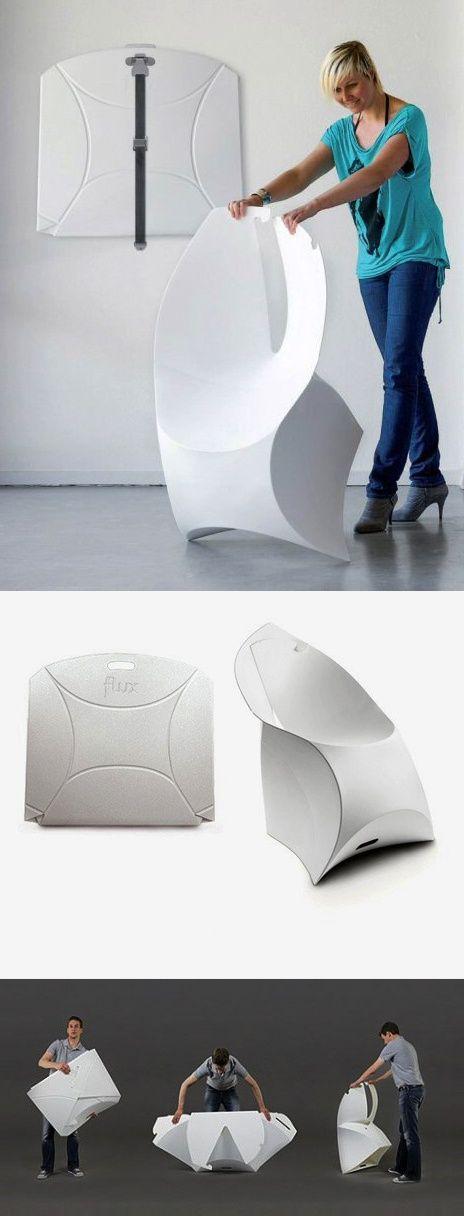 El diseñador Douwe Jacobs y el ingeniero Tom Schouten fundaron Flux (flexible y lujoso) en 2009 y juntos crearon Flux Chair, inspirada en un origami. La silla está hecha de polipropileno duradero y liegero. Se transforma desde una forma plana a un asiento curvilíneo en menos de un minuto con un simple plegado. Para su almacenamiento solo hay que volver a planarla. Se fabrican en Holanda. // The Flux chair saves 97% of space in a unique design, like an origami chair. | Tiny Homes