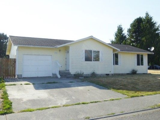 HUD Home for sale Marysville WA.  Well maintained with nice features.  #kerryannprayrealtor #homematchnw #hudhome