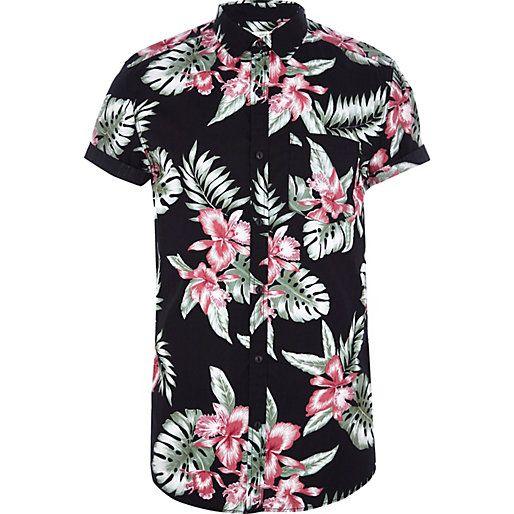 Black Hawaiian print short sleeve shirt