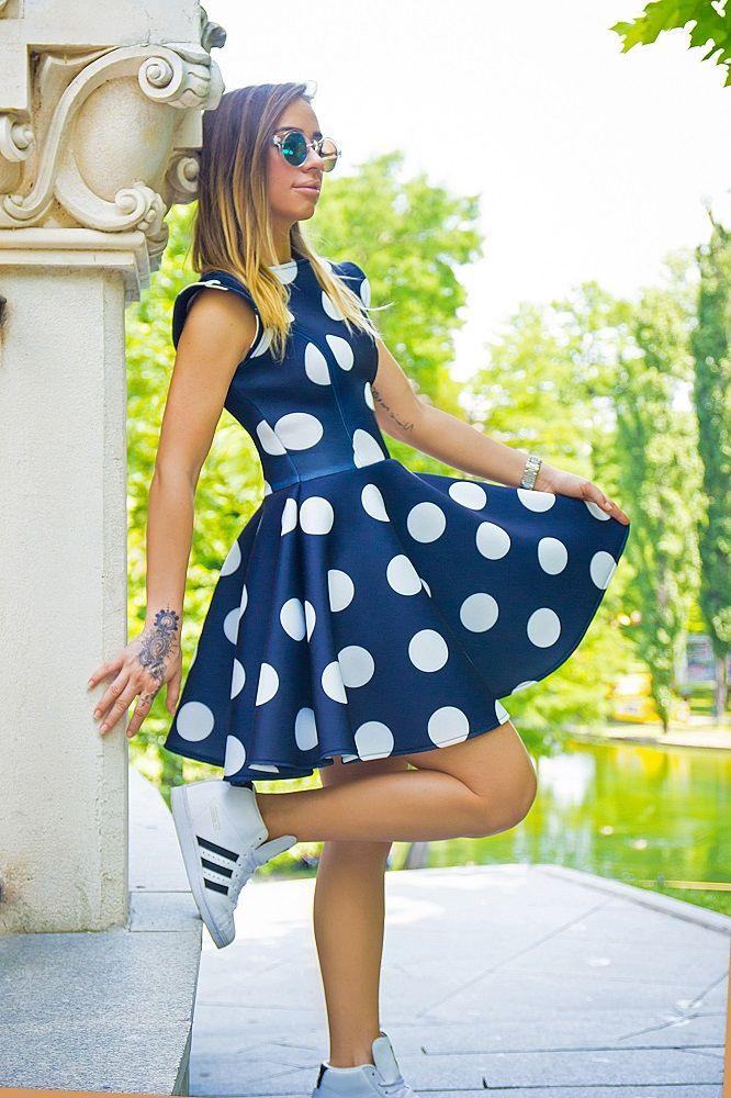 http://dianagrigoriu.ro/ce-gasim-in-magazine/de-la-ocazie-la-streetwear
