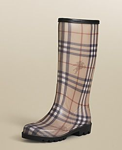 Burberry Rain Boots... OH MY  <3 <3 <3
