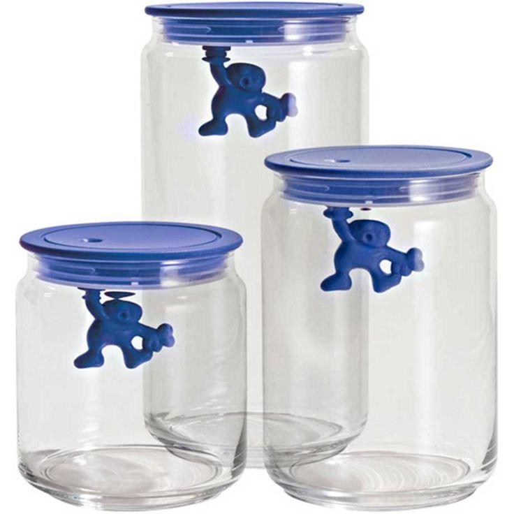 Fin glasburk med ett tättslutande blått lock i plast.