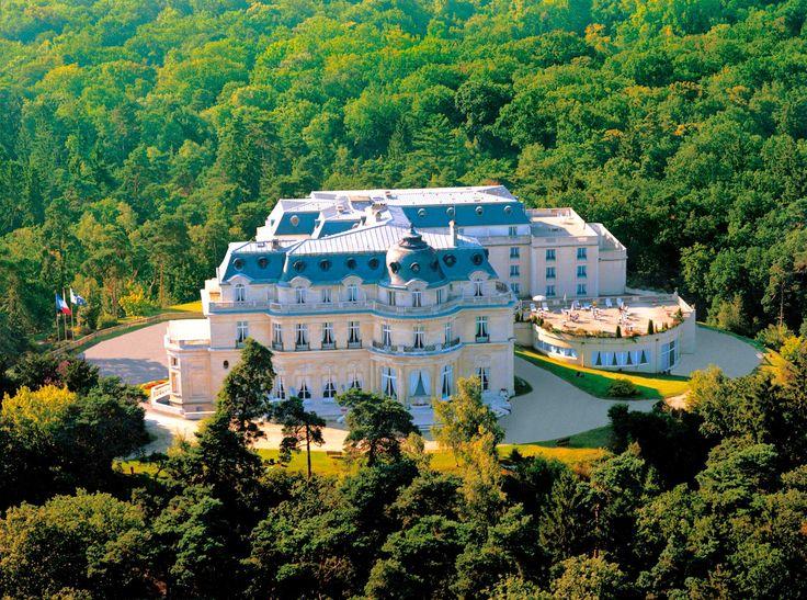 Un des plus beaux lieux de réception : le château Mont Royal à Chantilly