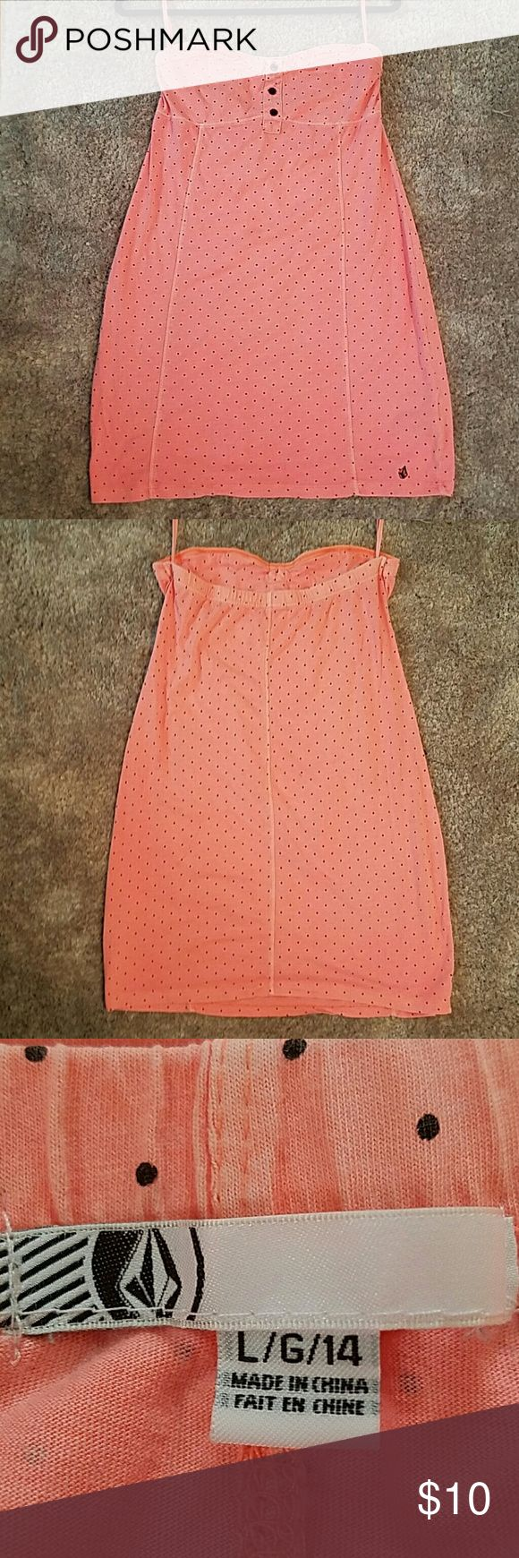 Volcom Coral Marx Dress Strapless peachy coral cuteness perfect for summer or vacation! Very flattering cut and elastic band above chest to prevent sagging or slipping. Classic volcom emblem stitched right above hem on the right side?? Volcom Dresses Strapless