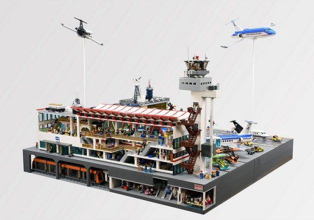 Lego Airport Diorama 'Civil War Scene'