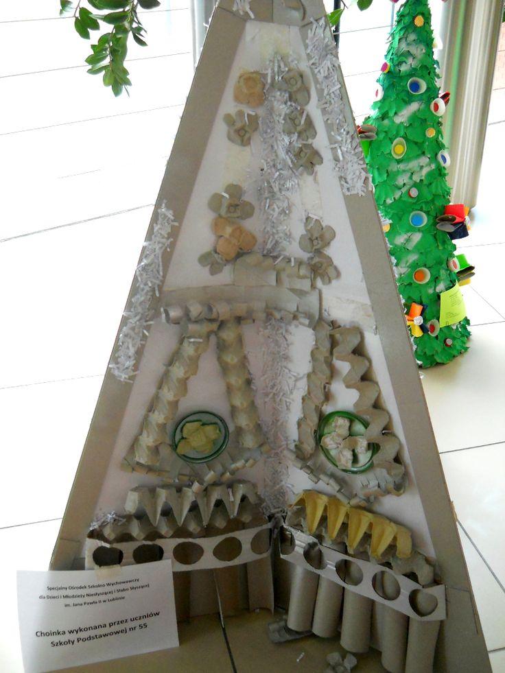 Mikołajki - 6 grudnia 2014, konkurs na najciekawszą choinkę zrobioną z materiałów pochodzących z recyclingu.