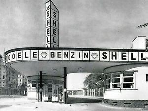 BERLIN 1929   Architektur. Holtzendorff-Garage, Heilbronner Straße, Halensee ... als Kind zig-Mal vorbeigegangen - Denkmal geschützt. Seit 2015 wird's restauriert und wird ein Café
