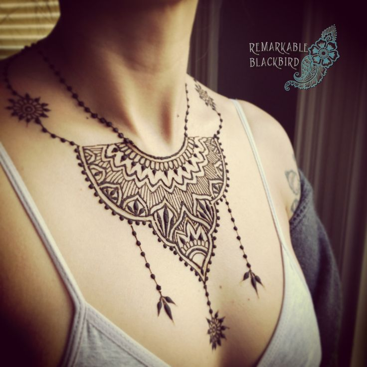Jewelry in henna - the body adorned.                                                                                                                                                                                 Mehr