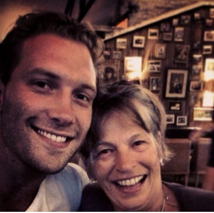 Jai Courtney with Andy's mother  #jaicourtney #andysmother #andywhitfield