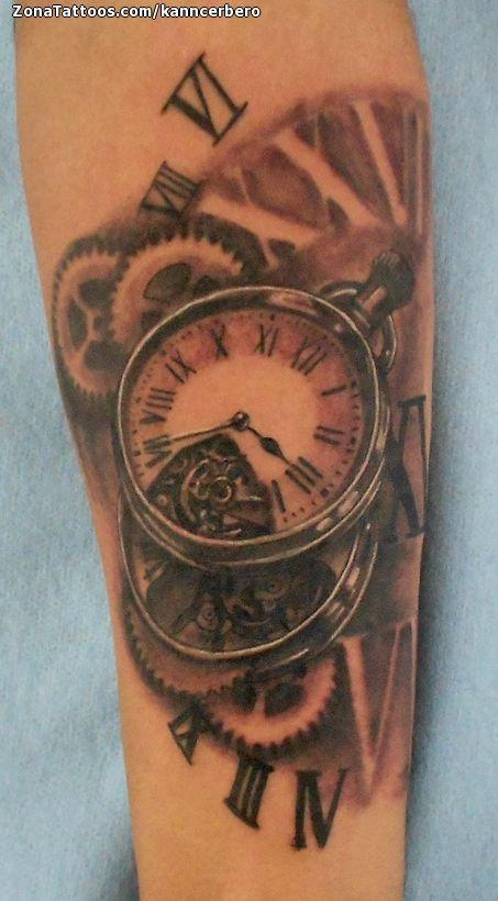Tatuaje hecho por Damián Guerrero, de Durango (México). Si quieres ponerte en contacto con él para un tatuaje o ver más trabajos suyos visita su perfil: http://www.zonatattoos.com/kanncerbero    Si quieres ver más tatuajes de relojes visita este otro enlace: http://www.zonatattoos.com/tatuaje.php?tatuaje=106049