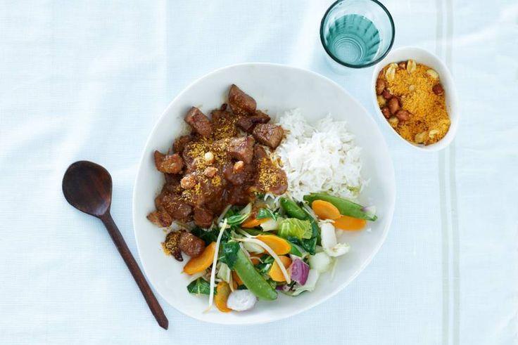 Kijk wat een lekker recept ik heb gevonden op Allerhande! Homemade saté met rijst & roerbakgroente