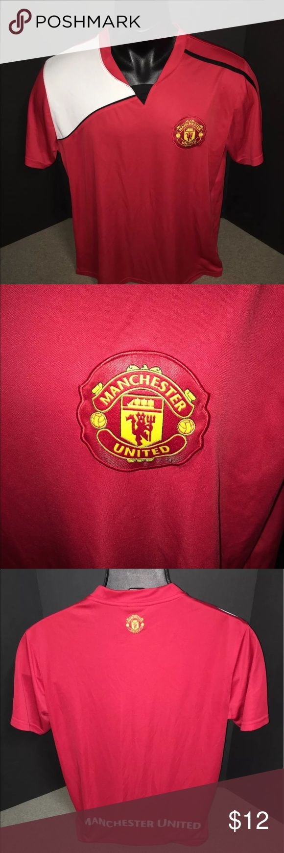 Manchester United Men's Size Large Soccer Jersey In excellent condition  No rips, tears or stains   Manchester United Official Merchandise  Soccer Jersey  Red, black and white  Logos are printed  Men's size Large ManU LtD  Other