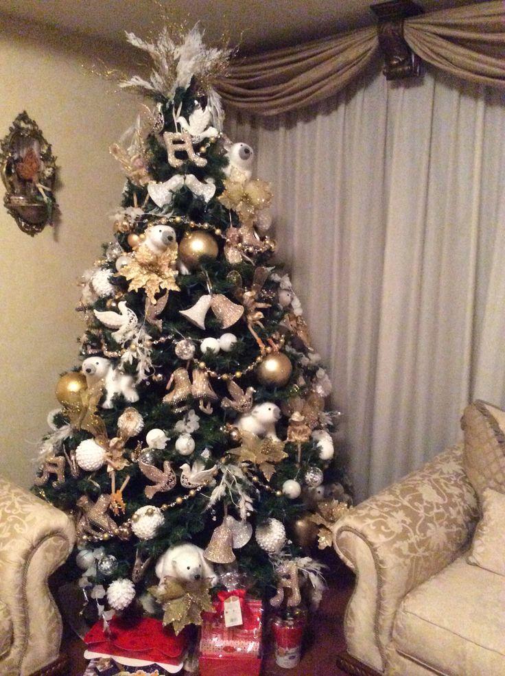 Pino de navidad decorado en tonos blancos y dorados - Arbol de navidad decorado ...