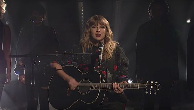 Taylor Swift Wows With Vulnerable Acoustic Rendition Of 'Call It What You Want' On 'SNL' https://tmbw.news/taylor-swift-wows-with-vulnerable-acoustic-rendition-of-call-it-what-you-want-on-snl  Bravo! Taylor Swift put on a spellbinding performance of her hottest new single while appearing on 'Saturday Night Live.' While strumming the guitar, she sang her heart out and the crowd couldn't get enough of it!Saturday Night Live might arguably be in the midst of their greatest season ever! Taylor…