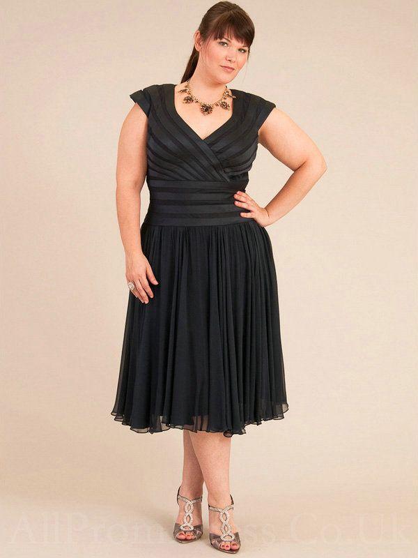 28 Best Black Dress Images On Pinterest Curvy Fashion Plus Size
