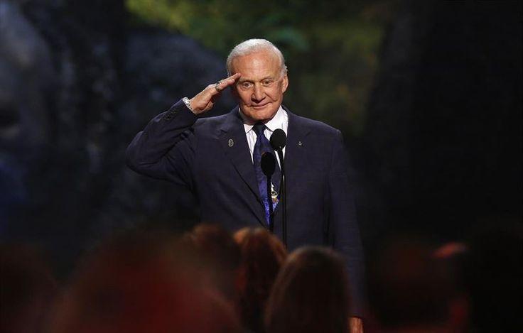 El famoso astronauta del Apolo XI Buzz Aldrin ha confesado que le gustaría enviar seres humanos a Marte en un viaje sin retorno, al estilo del proyecto Mars...
