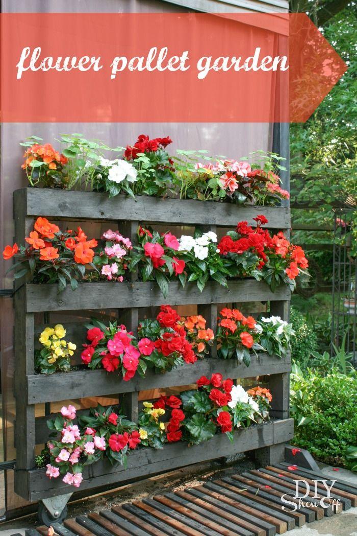 Flower Pallet GardenDIY Show Off ™ – DIY Decorating and Home Improvement Blog #LetsGro