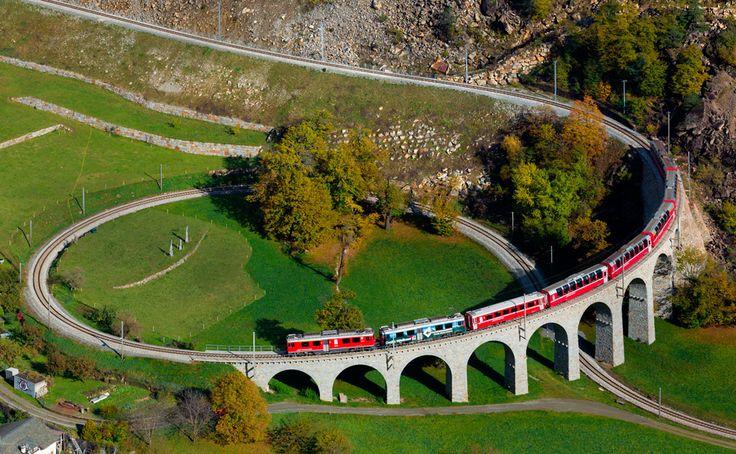 Brusio spiral viaduct, Switzerland Qui non ci sono passato in treno causa frana, passavamo di li in bus