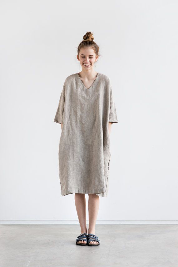 Washed and soft linen kimono tunic in V neck. If you want round neck, please leave a note while ordering.  +++++++++++++++++++++++++++++++++++++++++++++++++++++++++++++++++  The model is 172 cm high and the tunic is 101 cm long. Custom length to 115 cm available with no extra charge. Please let us know your wishes!  +++++++++++++++++++++++++++++++++++++++++++++++++++++++++++++++++  WHAT MAKES YOUR ITEM SPECIAL  Our items are handmade in small studio in small quantities of washed linen…
