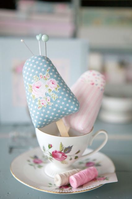 Icy Pole Pin Cushion IDEA only, but as it is Tilda, it has to be on here somewhere! The template is easy .. then add stick: genius! xox