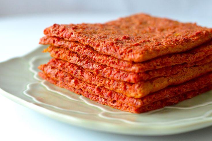 Rødbede fladbrød har en virkelig smuk farve, smager sindsygt godt, og har mange anvendelsesmuligheder. Du kan. fx bruge det til sandwich