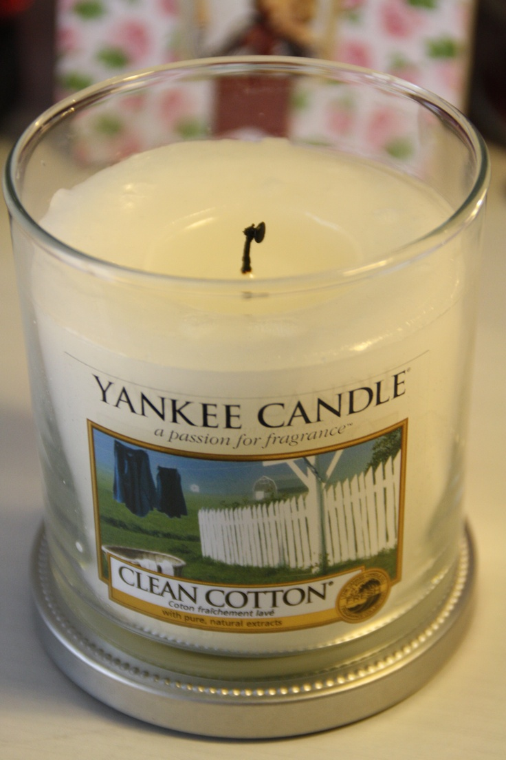 Yankee Candle ((love this scent.))