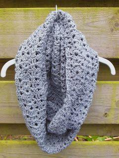 Mets Make Crochet: Crochet Pattern bellflower infinity scarf