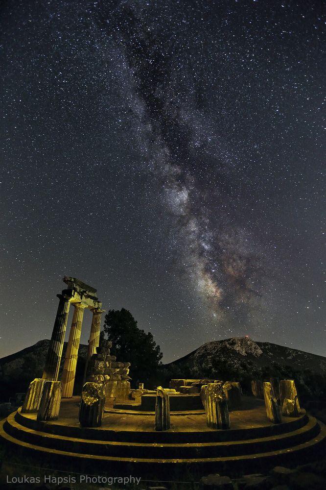 Οι απίστευτες αστροφωτογραφίες του Λουκά Χαψή με φόντο ιστορικούς χώρους της αρχαίας μας κληρονομιάς