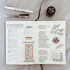 Use fita washi para separar seus eventos, seus objetivos e suas tarefas diárias.   23 Bullet Journal Ideas That Are Borderline Genius