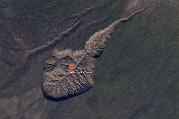 Un énorme cratère se creuse en Sibérie