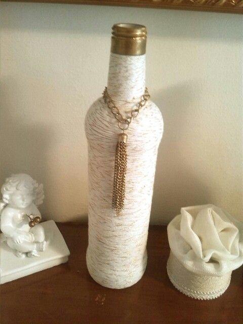 Buenas Ideas con yoyo: decorando botella con hilo