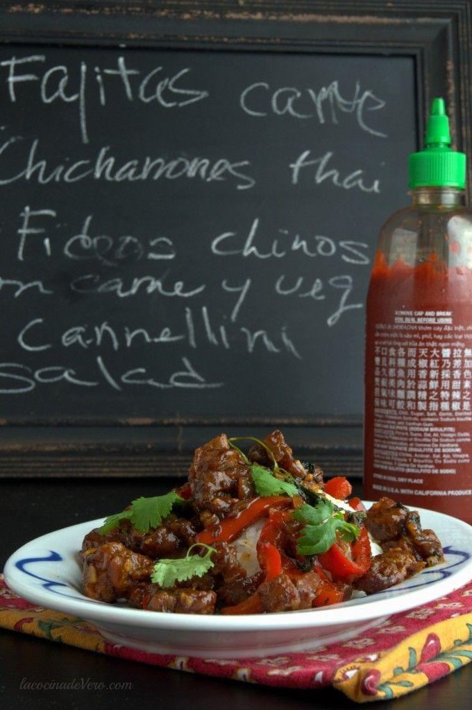Cariñosamente le decimos chicharrones thai a este stir-fry tailandés con…