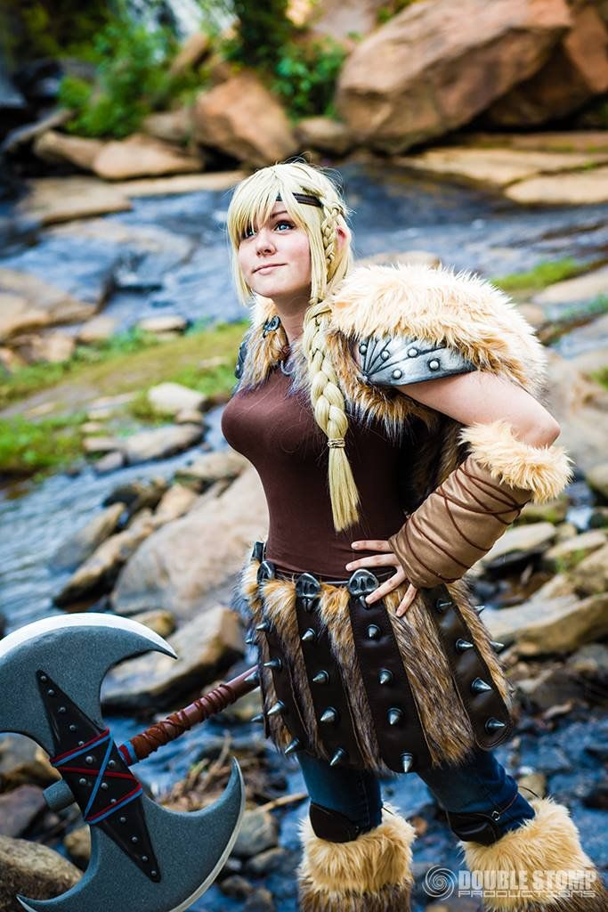astrid cosplay train your dragon