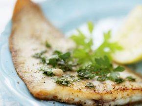 Gebratenes Schollenfilet ist ein Rezept mit frischen Zutaten aus der Kategorie Meerwasserfisch. Probieren Sie dieses und weitere Rezepte von EAT SMARTER!