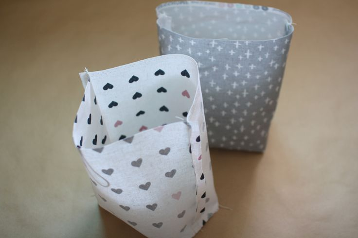 Traditional-style Fabric Gift Bags Instructions DIY step-by-step tutorial.  Сумочка для подарка. МК.