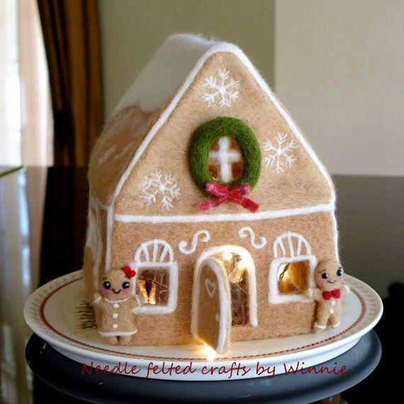 Nadel gefilzte Leuchten Lebkuchen Haus handgemacht OOAK Weihnachtsdekoration / Mittelpunkt / Kaminsims Dekor