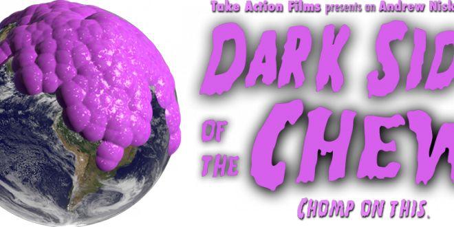 Chewing gum: il lato oscuro delle gomme da masticare in un documentario, tra storia millenaria e inquinamento