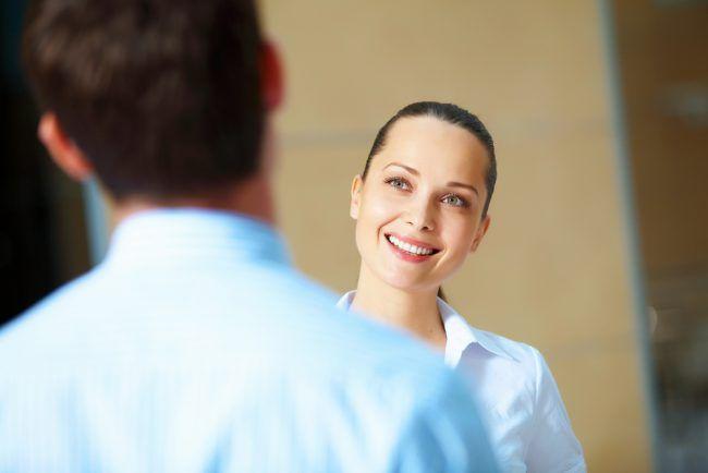 Oft ist es der Chef, der die Fragen stellt, während Mitarbeiter antworten. Das geht aber auch anders herum: 11 Fragen, die Sie Ihrem Chef stellen sollten...  http://karrierebibel.de/diese-11-fragen-sollten-sie-ihrem-chef-stellen/