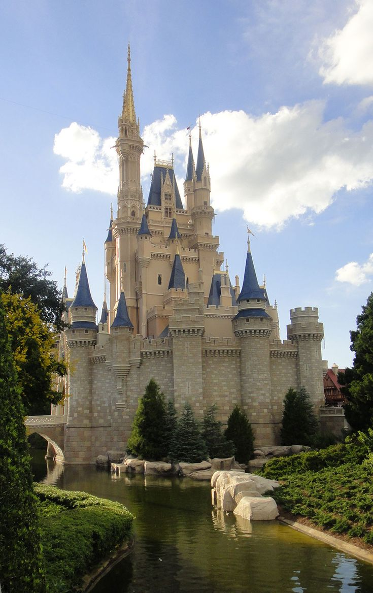 When I travel to Orlando, I'm thankful for feeling like a princess coming home to her castle. :) ~Mommy Frog #UndercoverTouristPinterestGiveaway