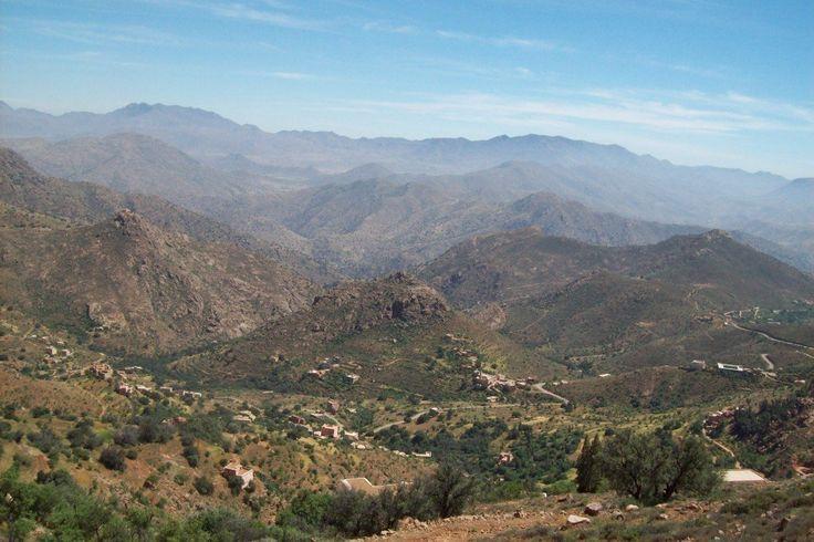 Atlas marocain  Blog de voyage www.trace-ta-route.com http://www.trace-ta-route.com/maroc-randonnee-a-cheval/  #maroc #morocco #atlas