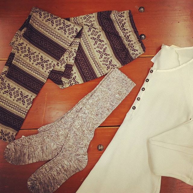 It's cold out there so we're cozying up in our favorite thermal #elevateyourstyle #altitudepdx #cold #winter #pdxlove #pdxnow #cozy #fashionista #ootd #streetstyle #styleguide #winteriscoming #wiwt  #shopsmall #supportlocal #fpme #pnw #travelportland #hardtail #portland #pdx #portlandnw #ryucollection #freepeople