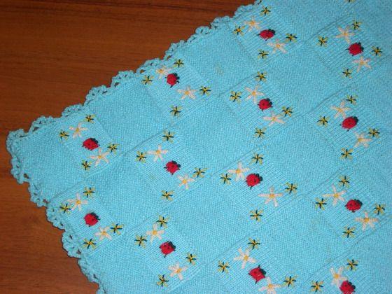 Mavi hasır örgü bebek battaniyesi